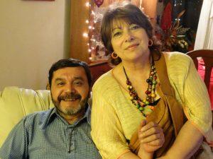 ESPERANDO ALGO. María del Pilar García y Artemio Cruces están a cargo de Cecorraex en Antoagasta.